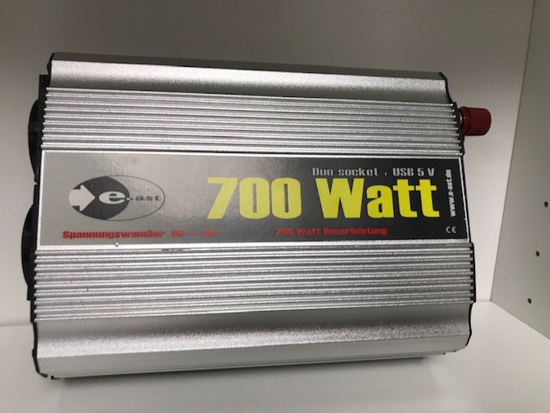 East -E 700 Watt voltage Converter