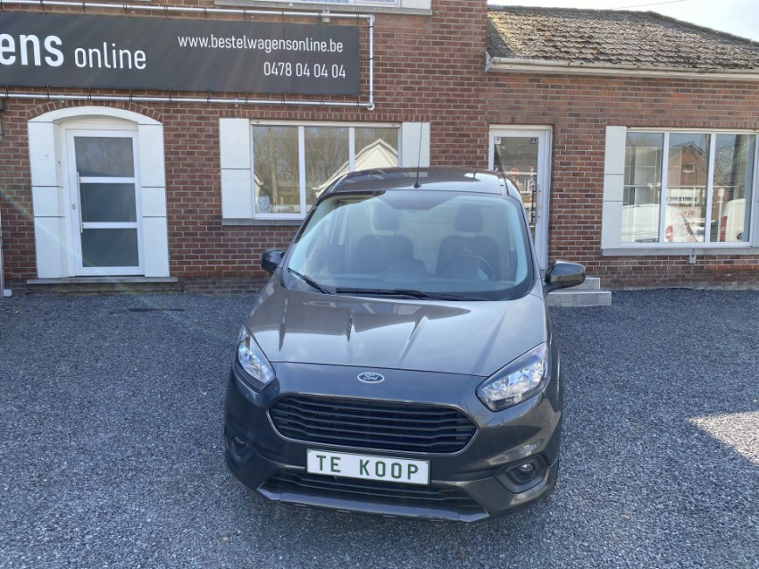 Ford Transit Courier Limited Sport